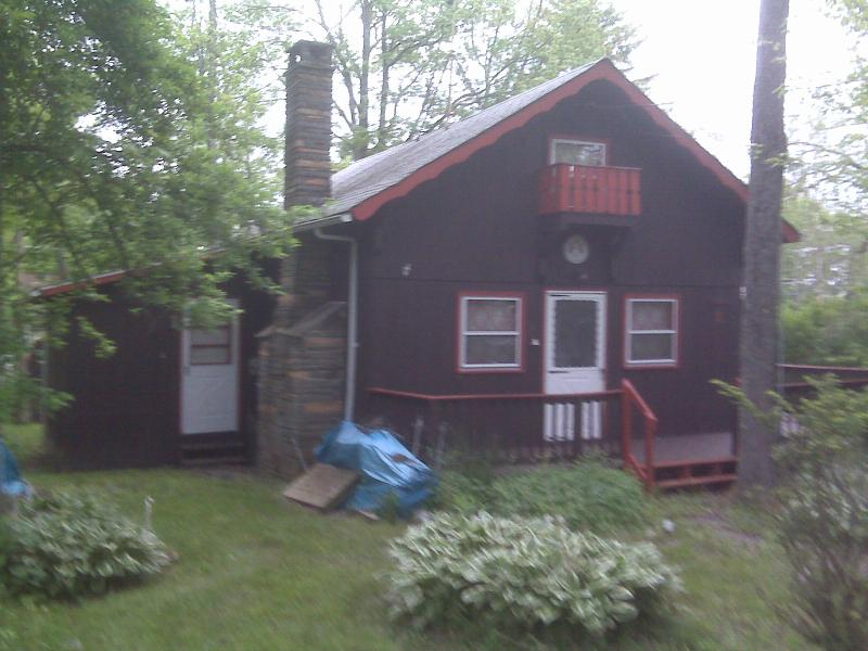 Front of house - Come Enjoy Sullivan County's Catskills, Lake Communirty Swiss Chalet Availablle for Fall and Winter Rentals - Livingston Manor - rentals