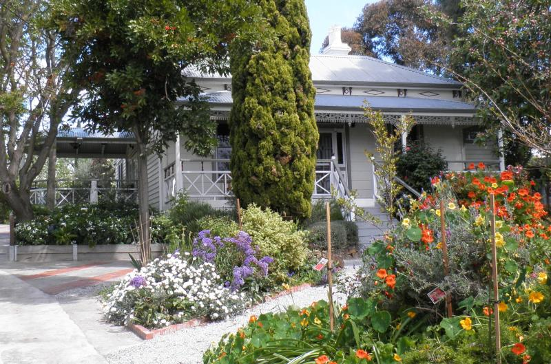 Fairbank House welcomes you - Fairbank House in Maldon - an Australian icon - Maldon - rentals