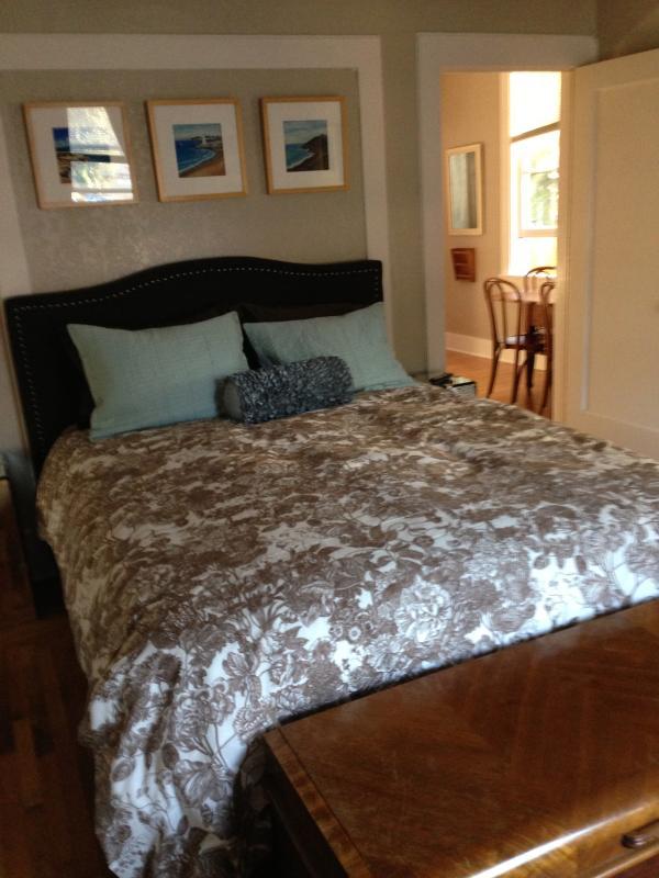 Nicely's ~ Historic Victorian Flat - Image 1 - Santa Cruz - rentals