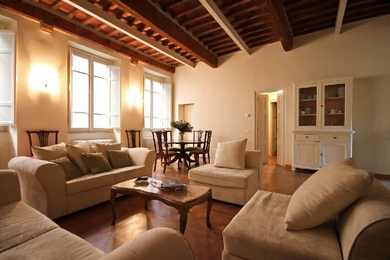 Luxury Apartment Perfectly Located in Lucca - Image 1 - Lucca - rentals