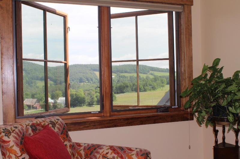 Wake Up to a Beautiful View - Savage Hart Farm's Two Bedroom Apartment - White River Junction - rentals