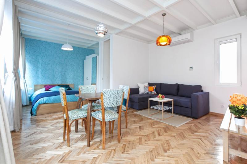 NOE | Retro style 1Bed in Cukurcuma! - Image 1 - Istanbul - rentals