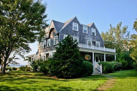 WEST CHOP WATERFRONT GRANDE DAME - VH RKUH-1153 - Image 1 - Vineyard Haven - rentals