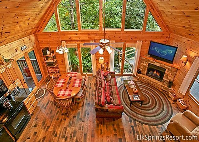3 Bedroom Luxury cabin with Community Pool - Image 1 - Gatlinburg - rentals