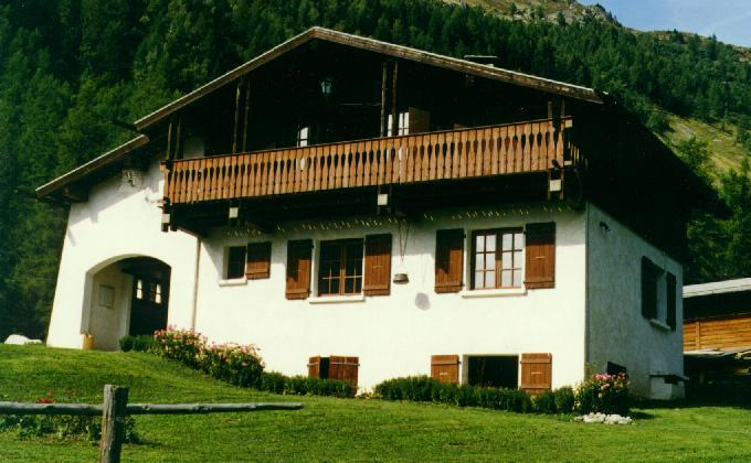 Chalet with stunning view on the Mt Blanc Chain - Image 1 - Chamonix - rentals
