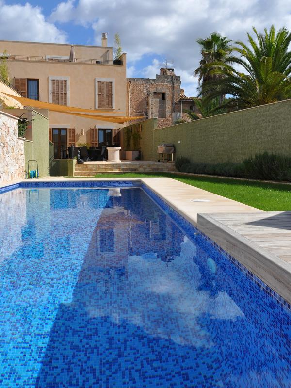 Pool and Patio Backyard - Can Descans - treat yourself to unforgettable days - Cas Concos - rentals