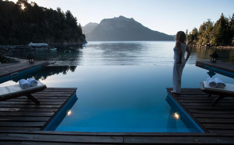Villa Millaqueo - Infinity Edge Lake Front Pool! - Idyllic Argentine Private Villa! Lake Front Luxury - San Carlos de Bariloche - rentals