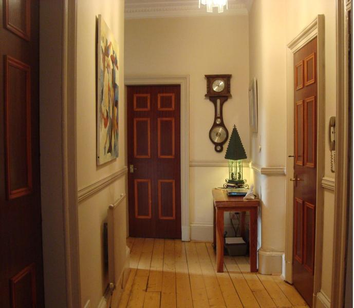 Large hallway with original wooden flooring - Glasgow Southside - Glasgow - rentals