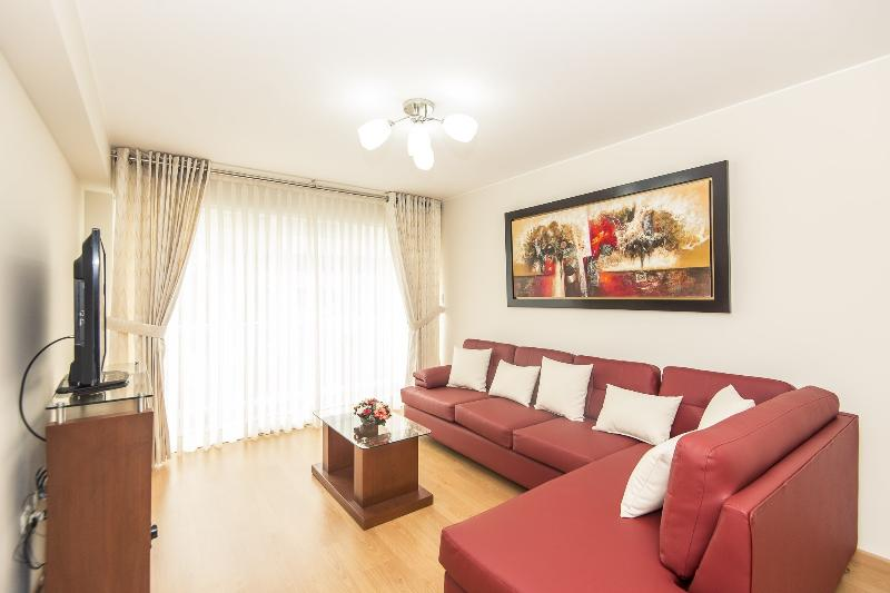 Living Room - Stunning 3 Bedroom - Residencial 28 de Julio - Lima - rentals