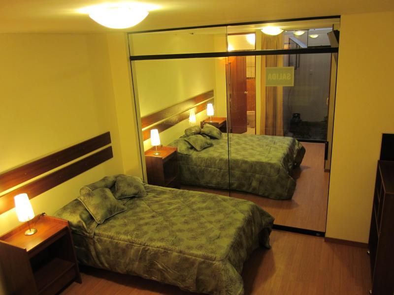 Dormitorios comunicados - Departamento amoblado con garaje: turistas - Arequipa - rentals