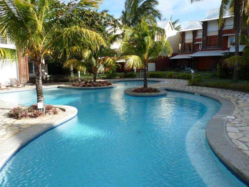 Villa 142m2 with pool only 30 meters to the beach - Image 1 - Port Louis - rentals