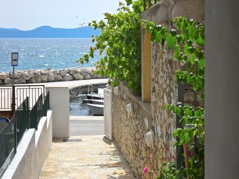 balcony of the apartment.in a quiet position,across the sea with see wiew - APARTMENT MARKO in a quiet position,acros the sea - Zadar - rentals
