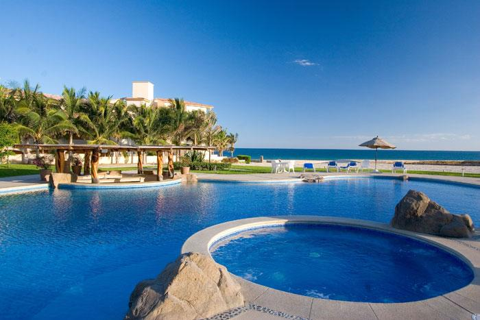 Pool with hot tub - Ultimate Luxury Beachfront Penthouse - San Jose Del Cabo - rentals