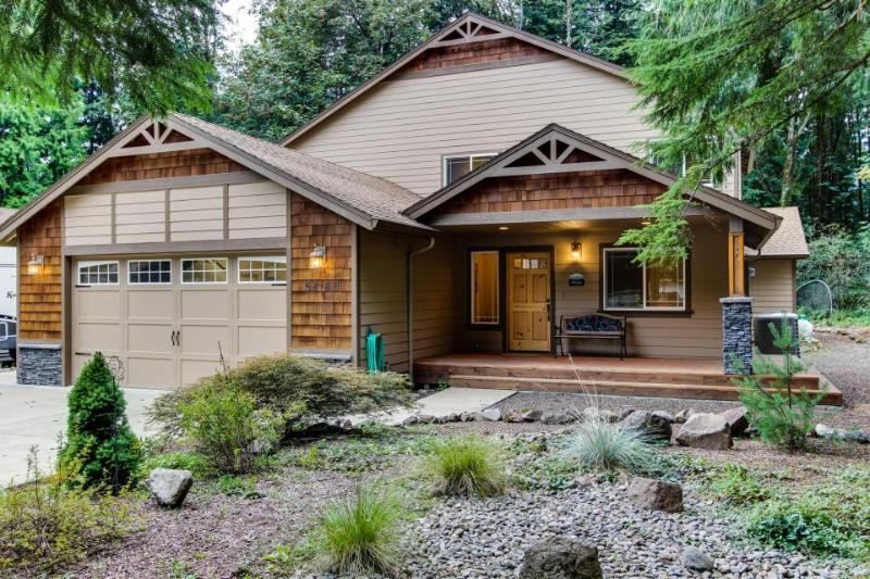 Mount Hood Getaway with Hot Tub - Image 1 - Welches - rentals