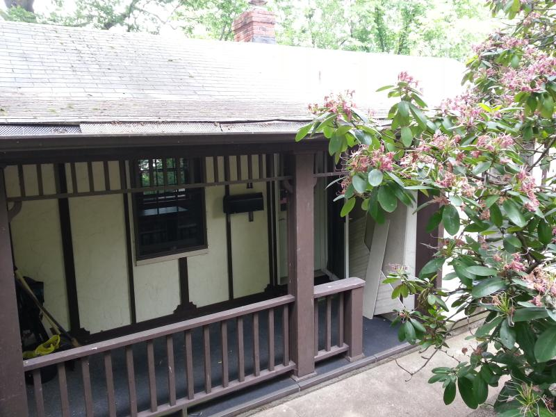 Front Porch - Comfy-Cozy Cottage in the City - Pittsburgh - rentals