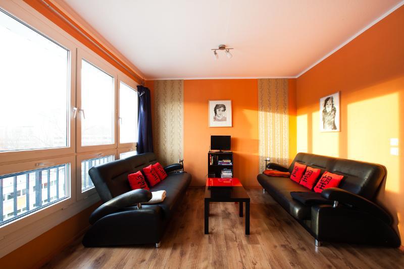 4 Bedroom Vacation Apartment in Berlin - Image 1 - Berlin - rentals