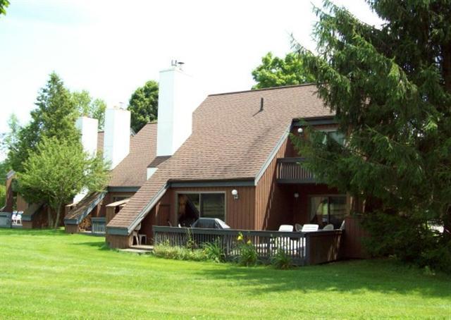 exteriorsummer - Stonybrook Condo 13 - Stowe - rentals