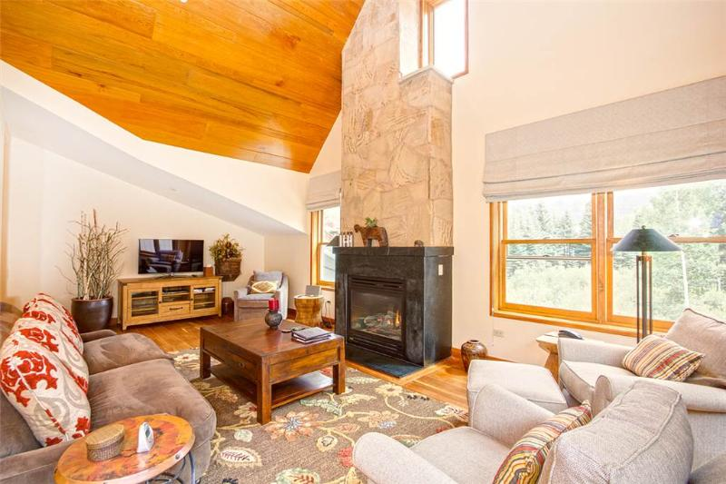 Turn on the fireplace, kick back, and relax in this beautiful living room! - CASCADES A10 - Telluride - rentals
