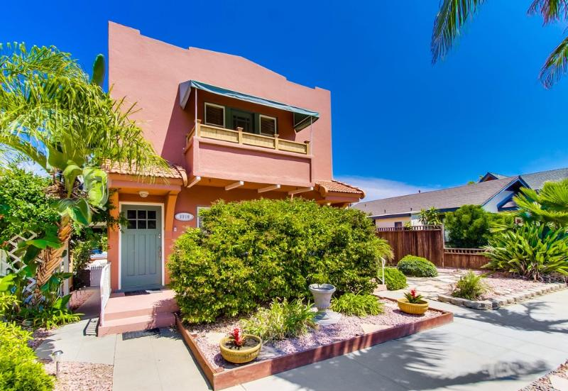 Large, Bright, Romantic One Bedroom in North Park! - Image 1 - Pacific Beach - rentals