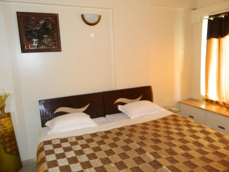 1 room in 3 bedroom Apartment at Hiranandani-Powai - Image 1 - Mumbai (Bombay) - rentals