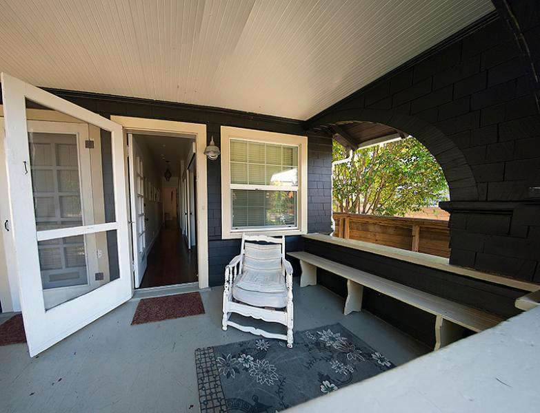 Front porch - Beach Bungalow Duplex, 2 bedrooms, walk to beach - Venice Beach - rentals