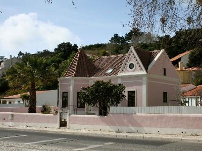 1009943 - Modern Stylish Beach bungalow, Walking distance to Beach - Sleeps 4 - Foz do Arelho - Image 1 - Foz do Arelho - rentals