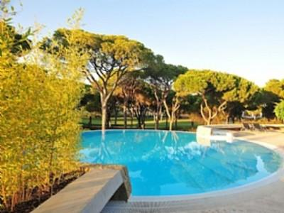 1051681 - 4 bedroom villa - On the Millennium Golf Course - Sleeps 8 - Vilamoura - Image 1 - Vilamoura - rentals
