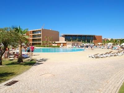 426725 - Luxury apartment in 5 star resort CS Herdade de Salgados, Sleeps 6, Albufeira - Image 1 - Albufeira - rentals