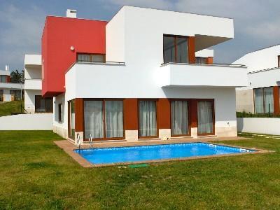 471740 - 3 bedroom villa - Overlooking pool and terrace - Sleeps 8 - Bom Sucesso Obidos - Image 1 - Leiria - rentals