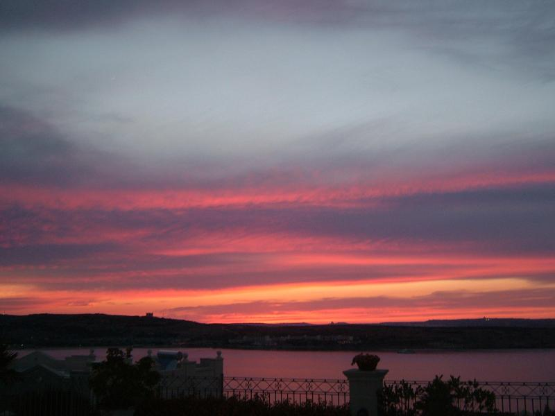 Memorable sunsets from the Villa - Blu Waters Lux Villa Mellieha - Mellieha - rentals