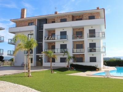 426726 - 3 bedroom apartment - Jacuzzi bath, tennis courts, and swimming pool - Sleeps 6 - Sao Martinho do Porto - Image 1 - Sao Martinho do Porto - rentals