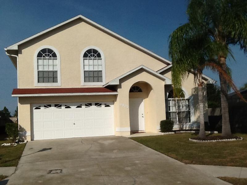 Front View of Villa - 5 miles to Disney! - Luxury Pool Home Sleeps 10 - Kissimmee - rentals