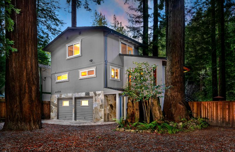 Front of home - Creekside Lodge - Cazadero - rentals