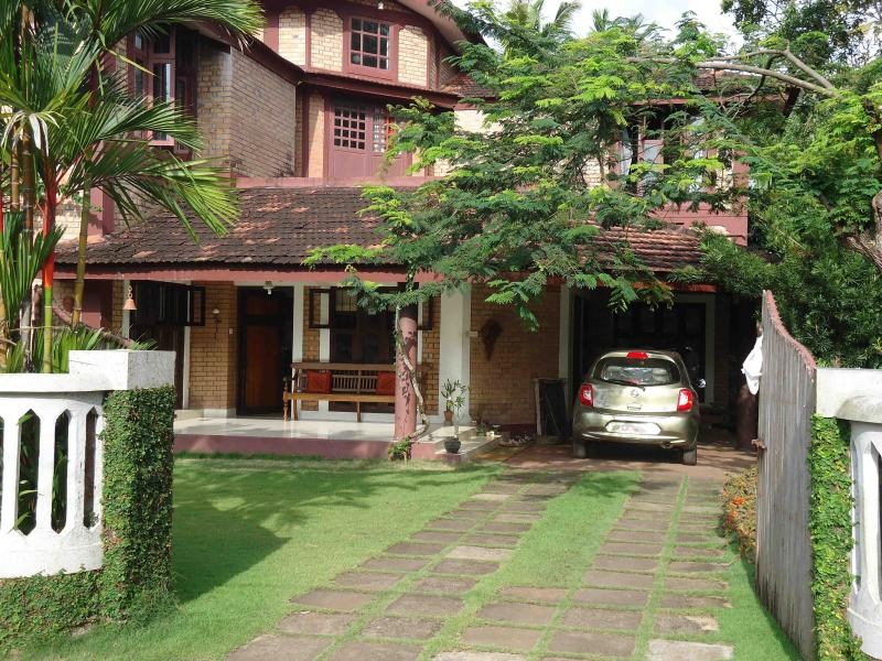 Front view - HOMESTAY B AND B   AT ALAPPUZHA KERALA  INDIA - Alappuzha - rentals