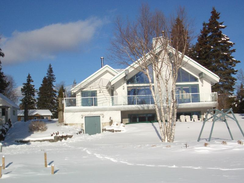 Luxurious Lakefront Chalet, Near Mont Ste-Anne & Le Massif Resorts - Image 1 - Quebec - rentals