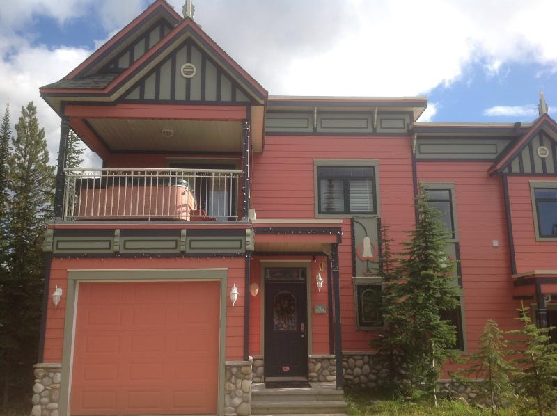 The Highest Property on the Knoll - Stunning Views - Image 1 - Vernon - rentals