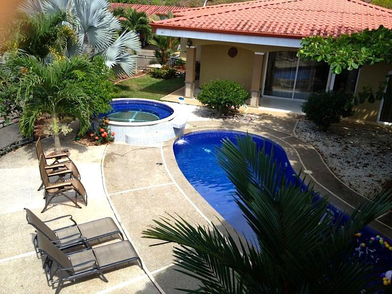 10BR Villa Los Amigos - Private Bus & Driver - Image 1 - Jaco - rentals
