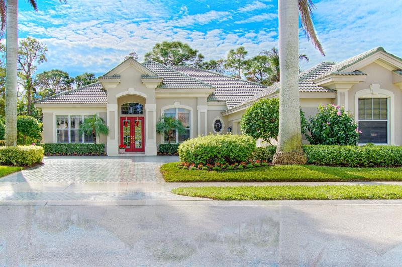 Naples - Pelican Marsh / Upscale South Pool Home - Image 1 - Naples - rentals