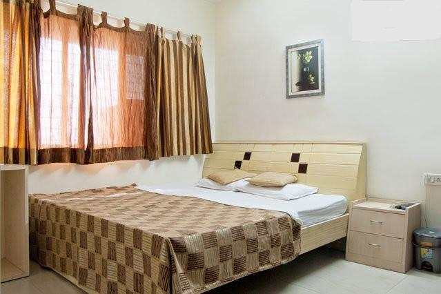 Luxurious 3 Bedroom apartment near Huma Mall Vikhroli - Image 1 - Malgund - rentals