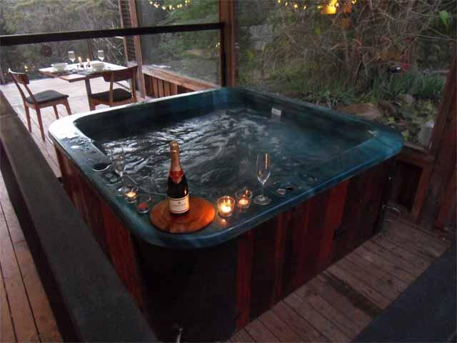 Saturna`s Hot Tub - Saturna; private hot tub - Daylesford - rentals
