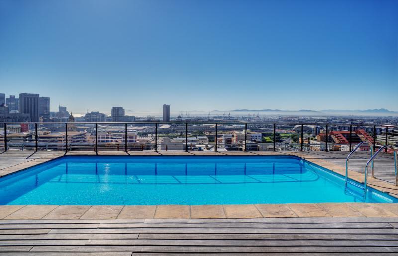 Four Seasons TOPfloor Apartment - Image 1 - Cape Town - rentals
