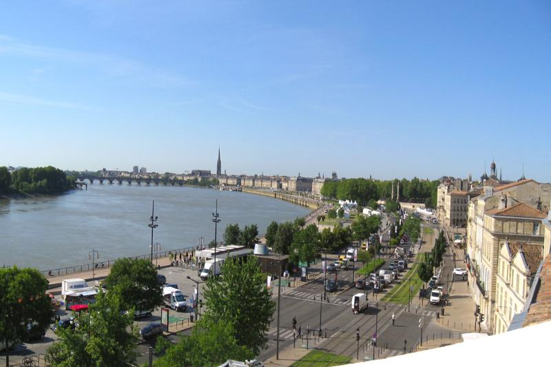The view from the terrace over the old city and the river - Historic center panoramic view, A/C, lift, parking - Bordeaux - rentals