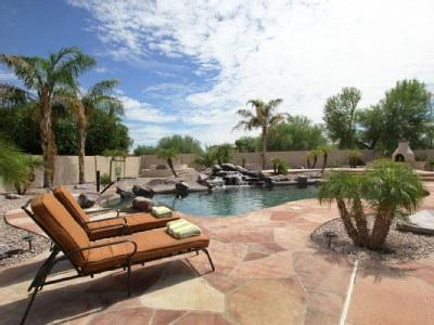 Private Pool in the Backyard - A Luxury 5 Bedroom Resort Like Home with Privacy - Goodyear - rentals