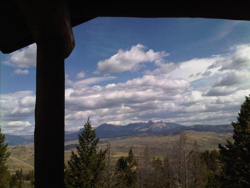 Real Solid Wood Log Cabin on Top of the World! - Image 1 - Dubois - rentals