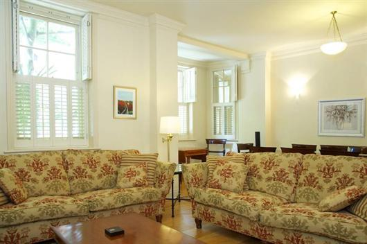 Living Room - Cheyne Court. Located in fashionable Chelsea. - London - rentals