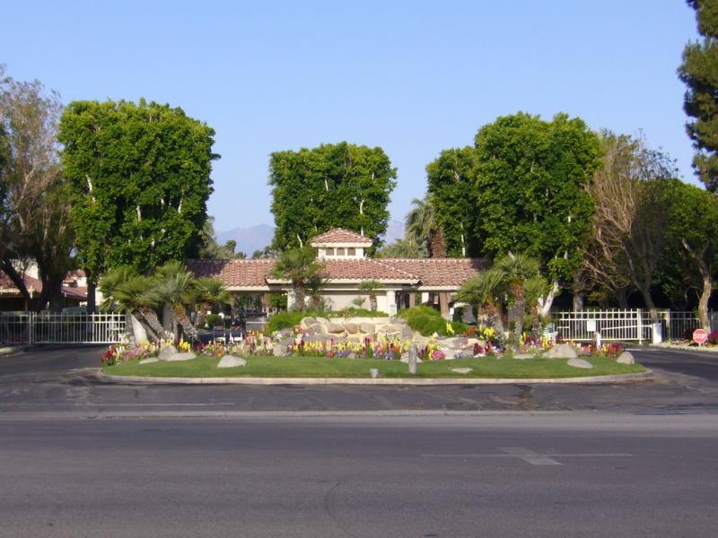 Entry - Palm Desert Resort & Country Club - Pool and Spa - Palm Desert - rentals