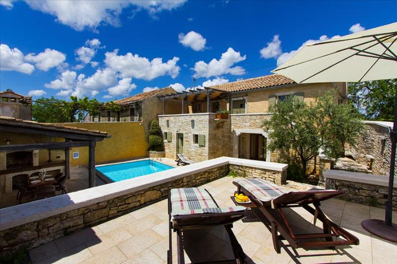 Careffuly restored old Istrian villa with private pool and sauna - Image 1 - Prkacini - rentals