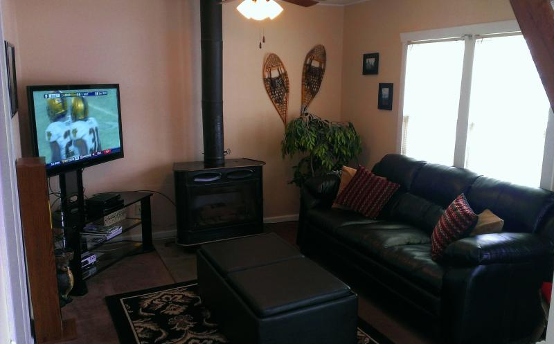 Cozy Haven Condo,  2 Bedroom, On Park Ave! Unbelievable location! Perfect for Sundance and Skiing!! - Image 1 - Park City - rentals