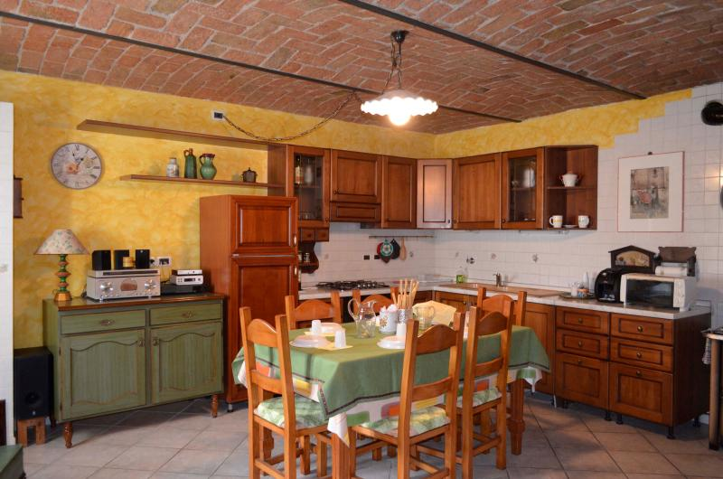 Self-contained studio apt in Langhe Country House - Image 1 - Neive - rentals
