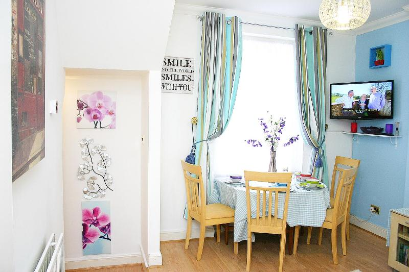 Stylish OneBed Apt in Maida Vale-SP - Image 1 - London - rentals
